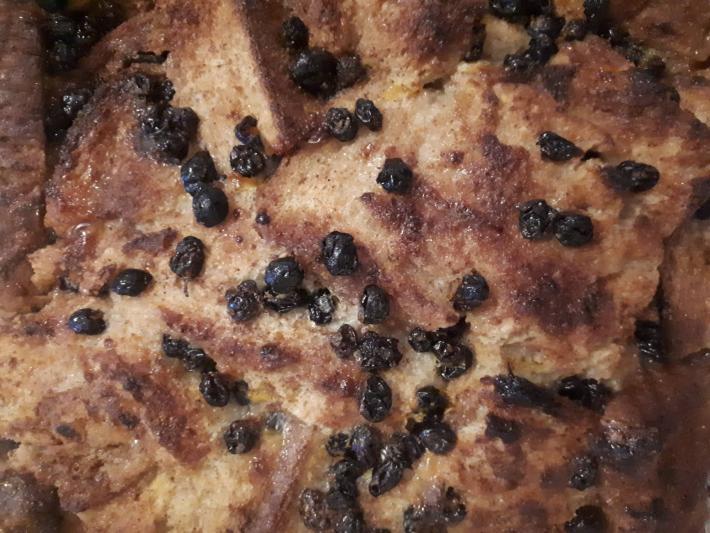 Bread pudding με σταφίδες